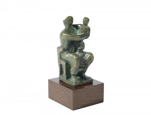 Henry Moore - Madonna and Child